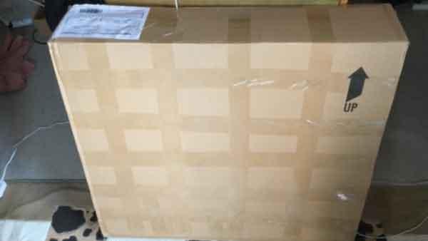 中華カーボンホイールの箱