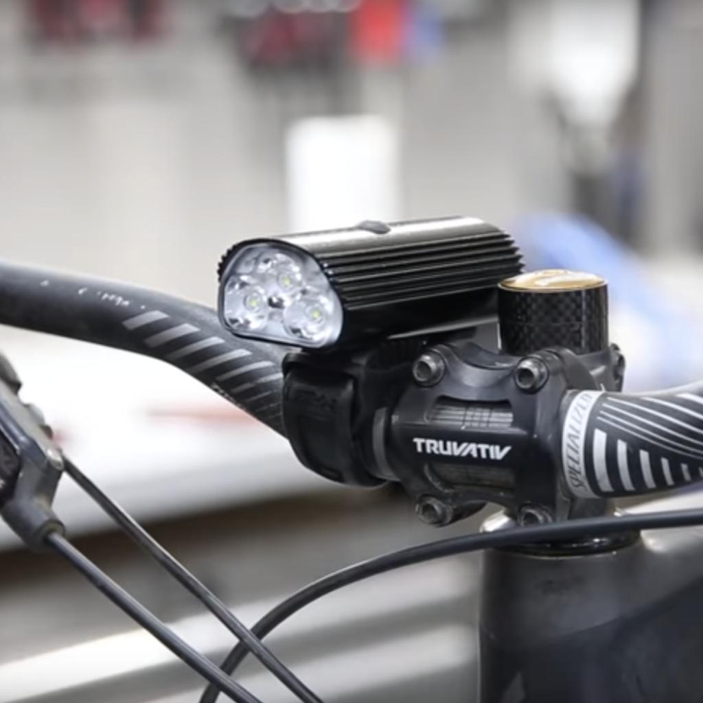 おすすめのロードバイク用ライト レザイン 1500ルーメン