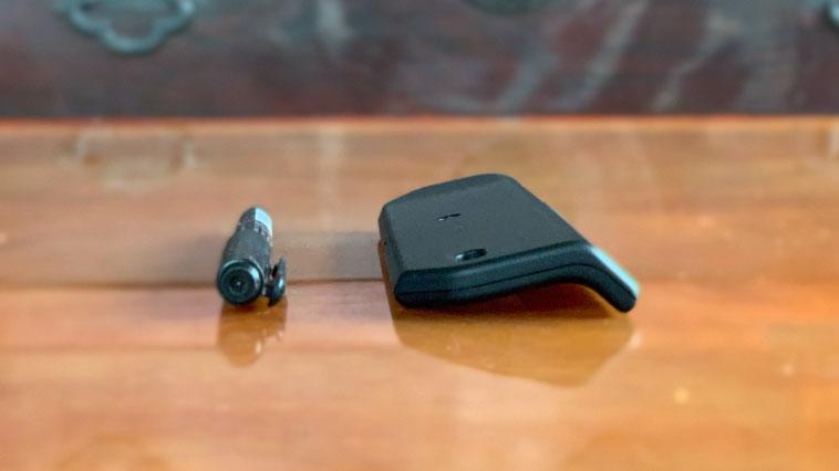 オルターロック本体の厚みを油性ペンと比較してみたところ。ほぼ一緒の厚みだった。