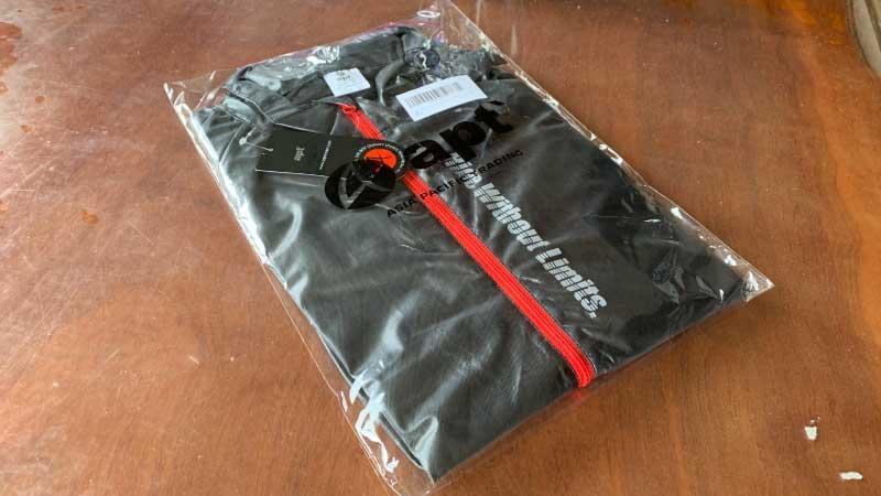apt'(エーピーティー) サイクルウェア 冬用 ウインドブレーカー レインジャケットのパッケージ