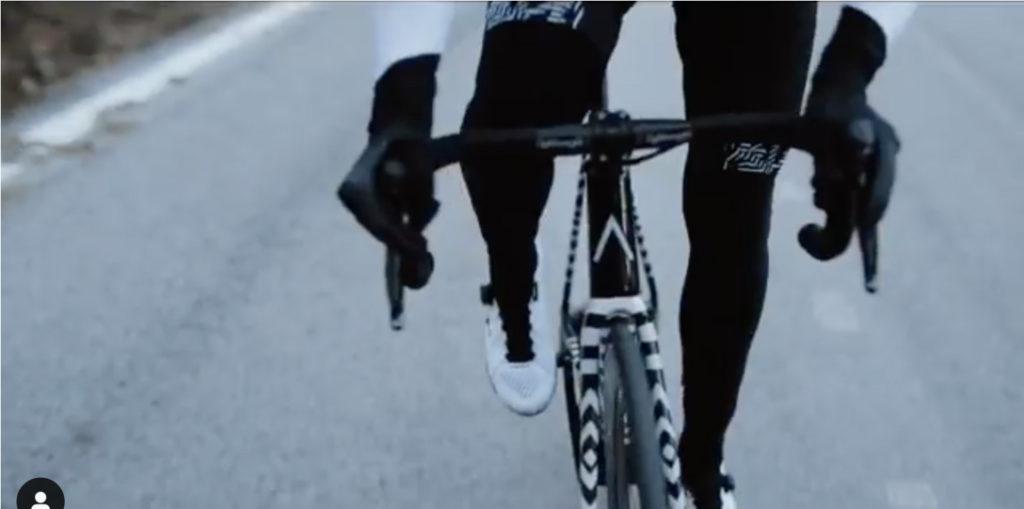 コンタドールが立ち上げたバイクブランドのロードバイク